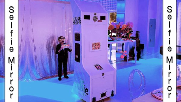 selfie mirror photo booth rental in orlando, florida